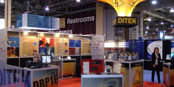 Ditek_Booth_at_Vegas_show2.jpg